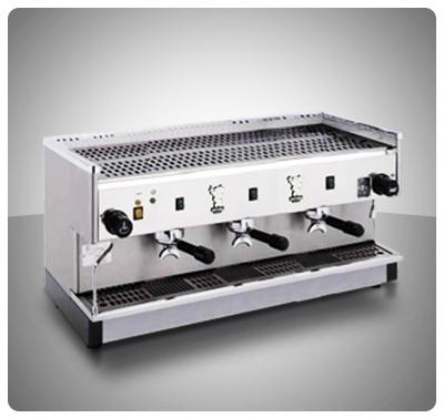 """Máquina Café Espresso 3 Grupos Marca """"Bezzera"""" Italia  Modelo PB2000-P3G"""